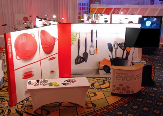 Tupperware Show Photo less new items black screeen